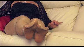 μαμά στο καλσόν σεξ