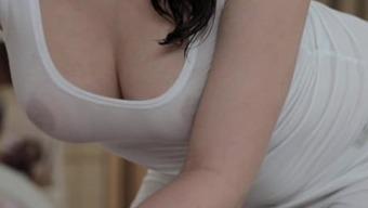 Μεγάλη κλειτορίδα γυναίκα. Δείχνουν τα βυζιά σου net.