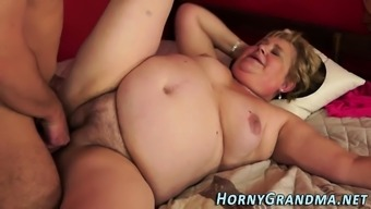 λίπος Ebony γιαγιά πορνό