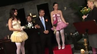 Braut Orgy Perfekte Teenie-Mädchen nackt